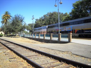 DSCN0190 Eastbound train arrived in Davis